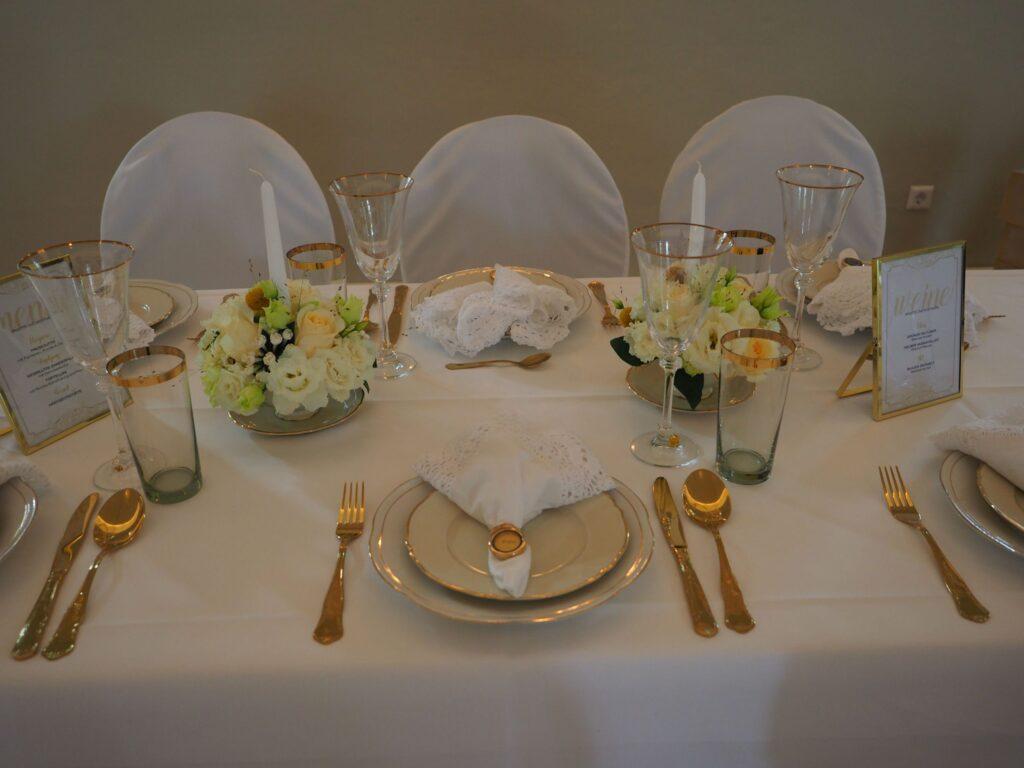 Tischdeko von der Hochzeitsplanerin Die Hochzeiterin in München bei einer goldenen Hochzeit